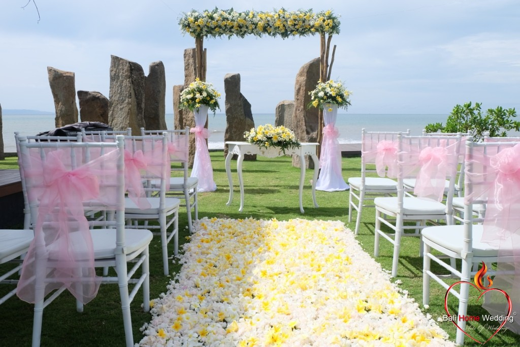 Wedding standing stone bali home wedding wedding standing stone junglespirit Images